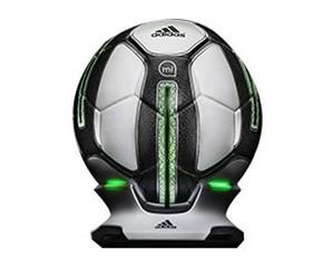 阿迪达斯miCoach Smart Ball智能足球图片