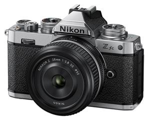 尼康Z fc套�C(28mm f/2.8 SE)